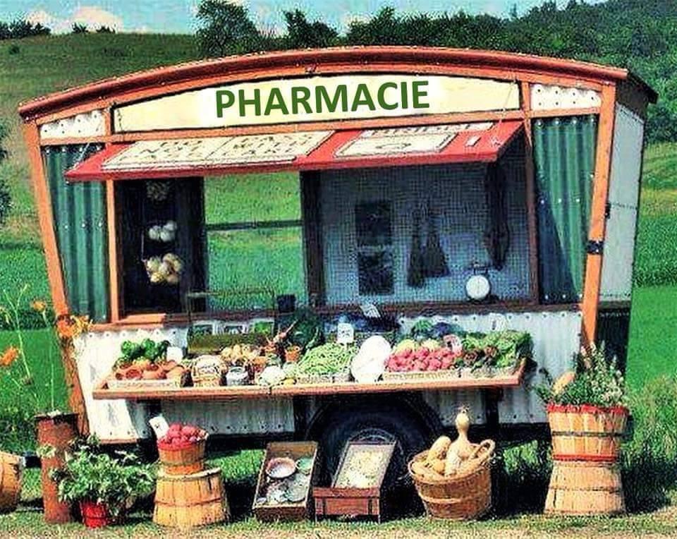 image d'un stand de légume avec l'insciption : pharmacie